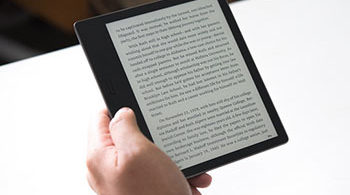 The new Kindle Oasis 2017 model is really handy